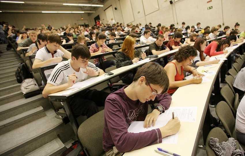 Планируют разрешить вузам проводить дополнительный вступительный экзамен