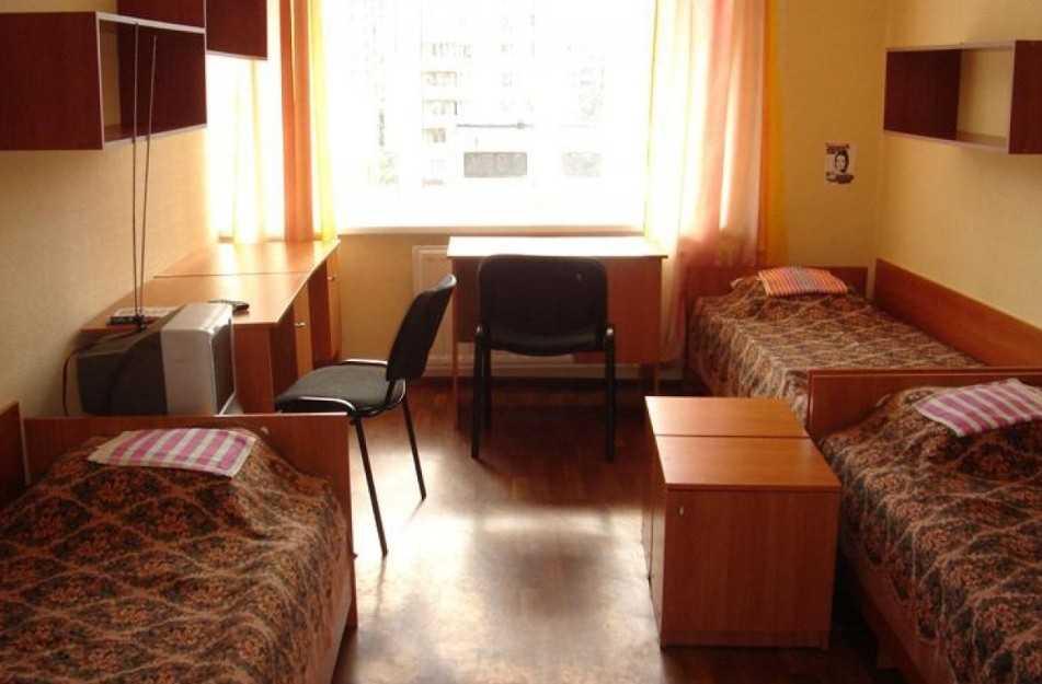 Совете федерации предложили закрыть студенческие общежития