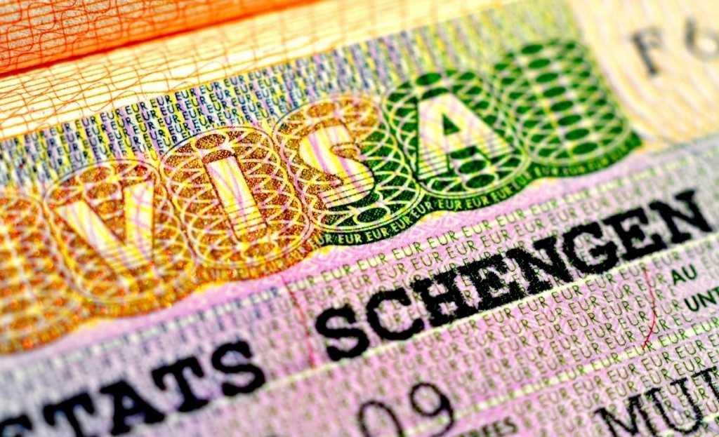 Студентам хотят отменить визы в ЕС