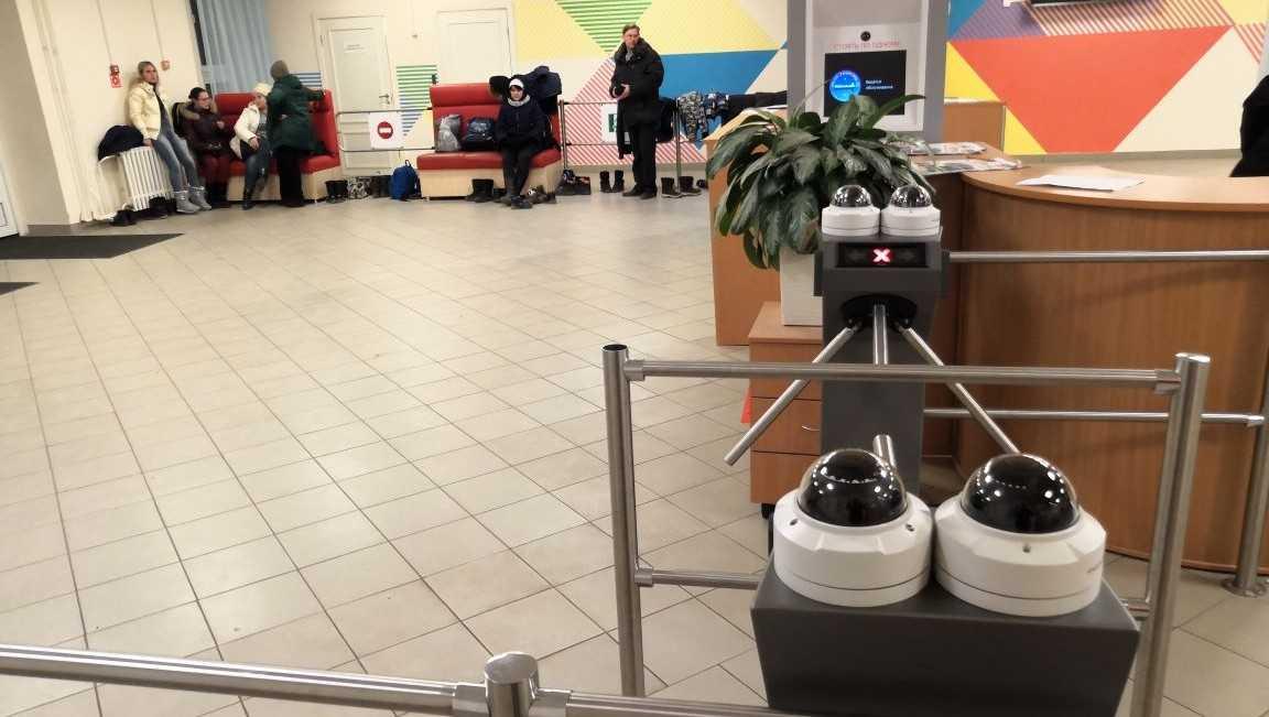 Камеры с распознаванием лиц поставят для школ