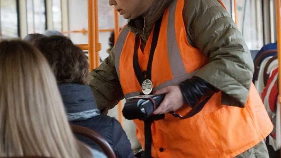 Закон о штрафе за высадку детей безбилетников подписан Путиным