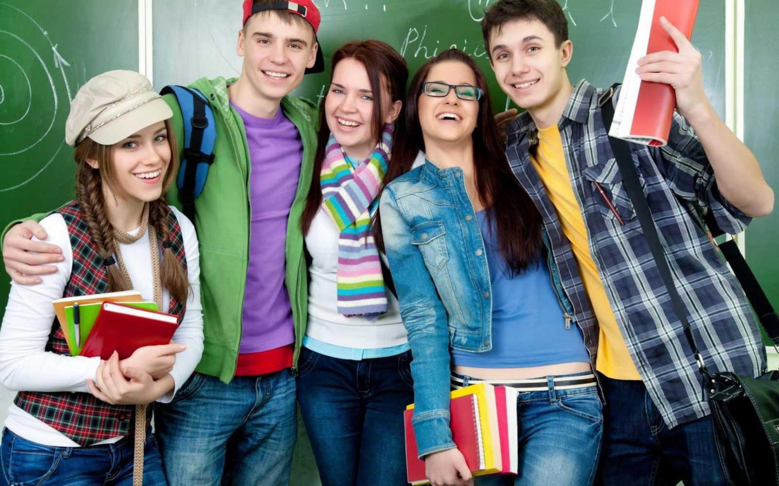 Почти 1,2 млн человек стали студентами в 2021 году